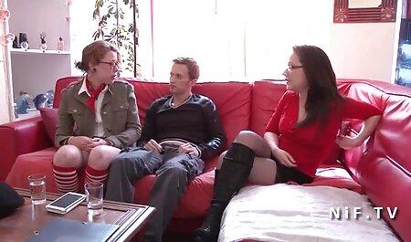 روسی Runet ستاره موی چتری لینک فیلم های سکسی تلگرام سوراخ خود را با یک لاستیک بزرگ دیک