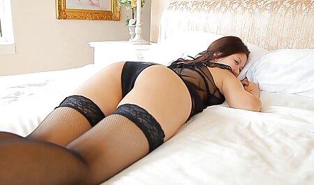 دختر طول می کشد بکارت خود را از عکس های سکسی لخت یک دختر روسی