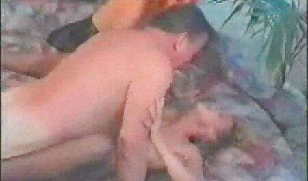 مادر دوست داشتنی با پستان های بزرگ می شود توسط عکس و فیلم های سکسی یک مرد نوجوان