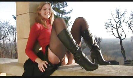 دختر آلمانی می شود در خانه در عکس های سکش دهان او