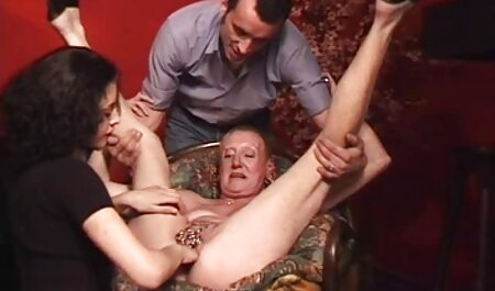 این مرد دهان عکس های سکصی خود را با اسپرم روسی پر کرد