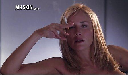 فشار وسیله ارتعاش و نوسان در الاغ و بهترین سایت فیلم سکسی طول می کشد دیک مرد در دهان او